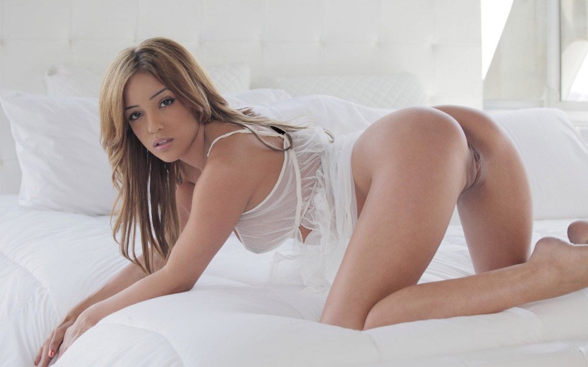 Amateur cowgirl giving enticing hand job in hot pov clip celebrity nude picture scenes free