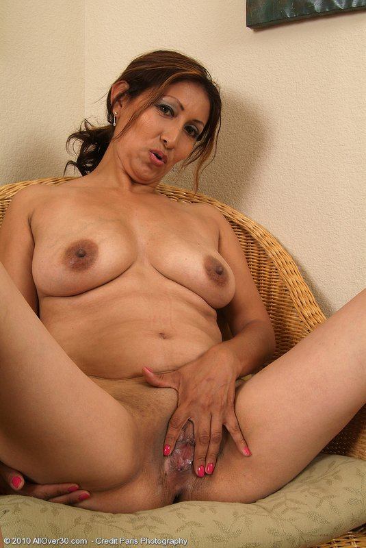 Nude Mature Mexican Mom