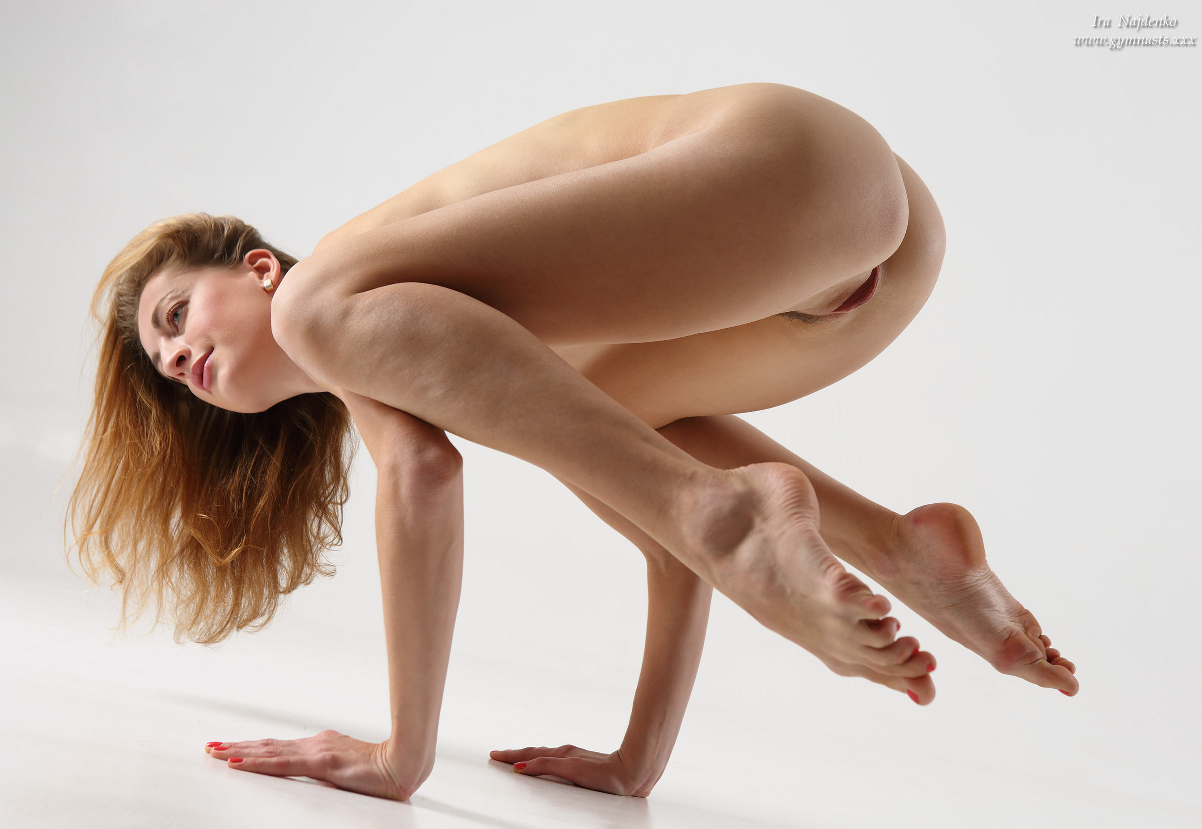 Naked women in sexy positions