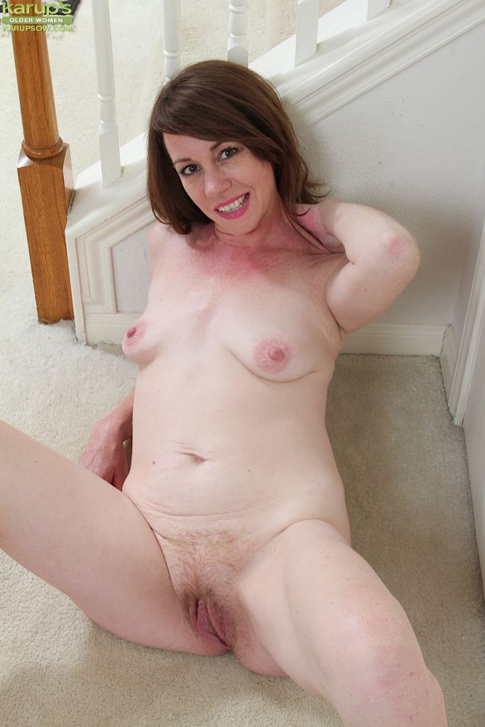 Delightful brunette milf with tiny tits and sexy ass enjoys hardcore fuck